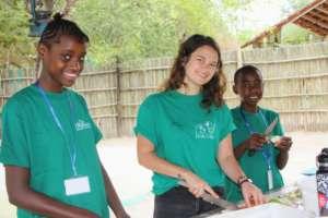 Children preparing the animal food