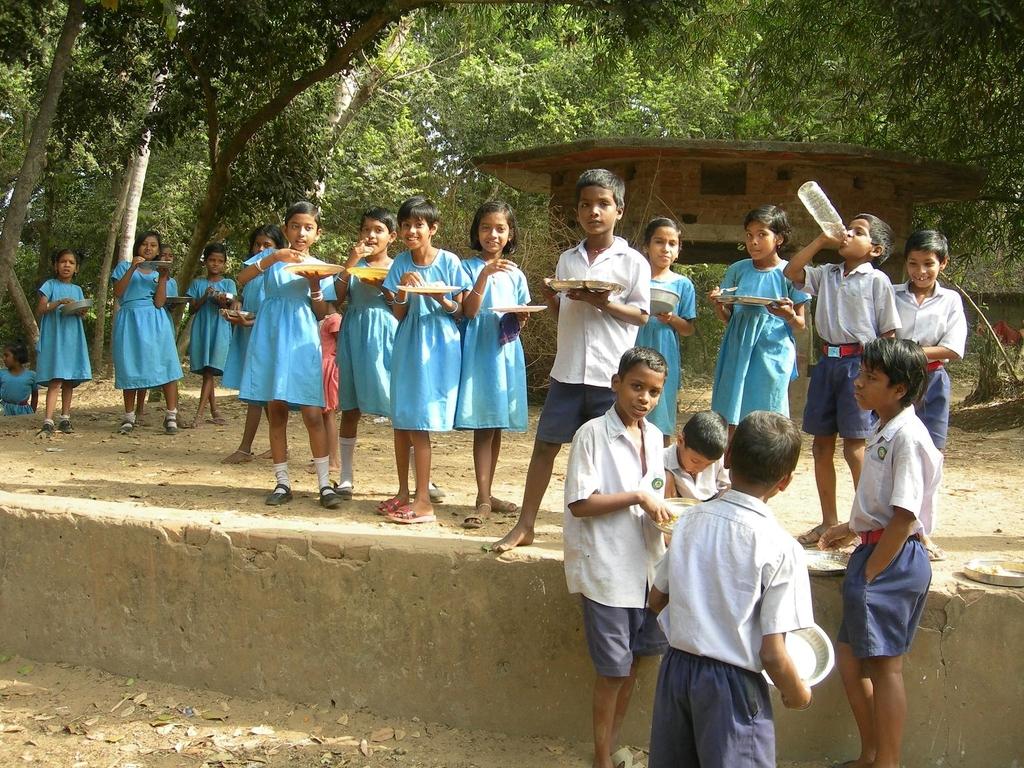 Akshaya Patra children having lunch
