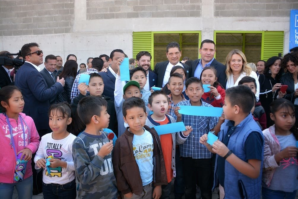 Opening doors to 2000 bright futures in Mexico
