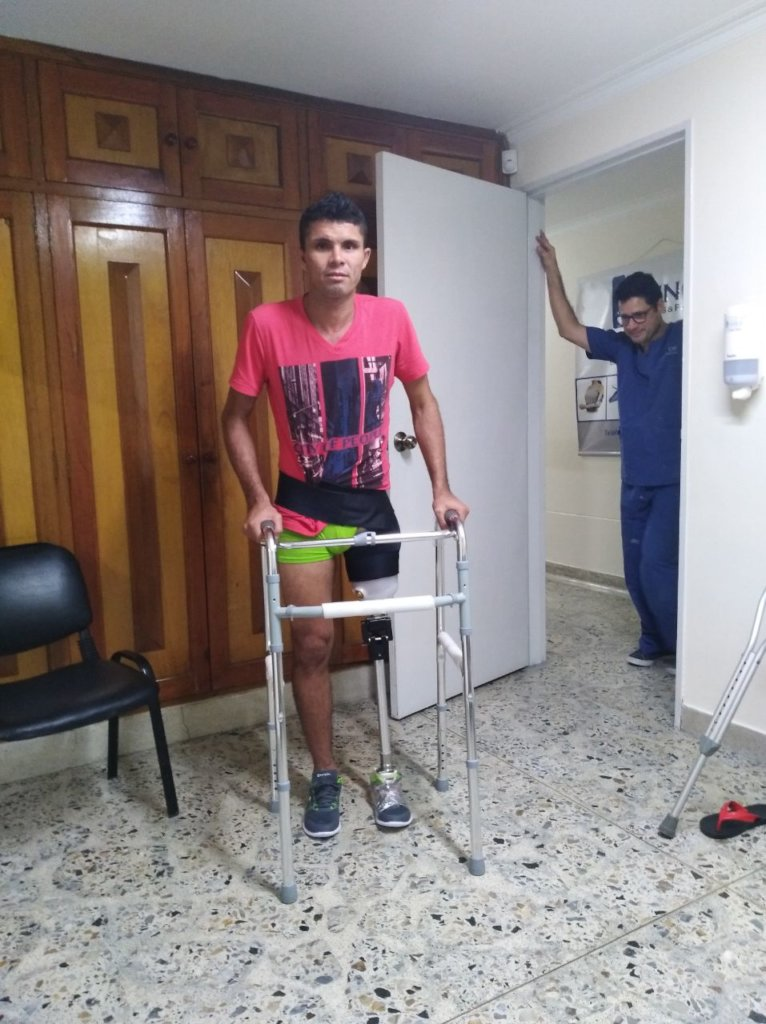 Donate and give a prosthesis!