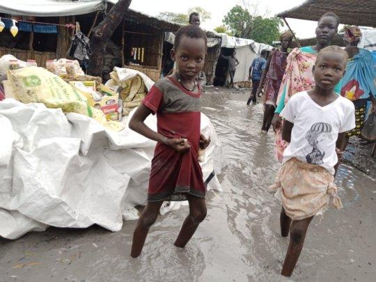 Children in Old Fangak.