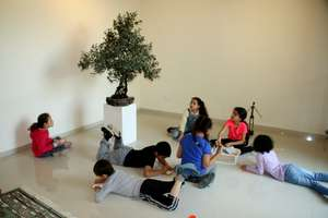 Museum photo kids
