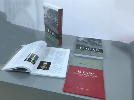 """The 2 volume book """"El Cano:Memorias de Excavacion"""""""