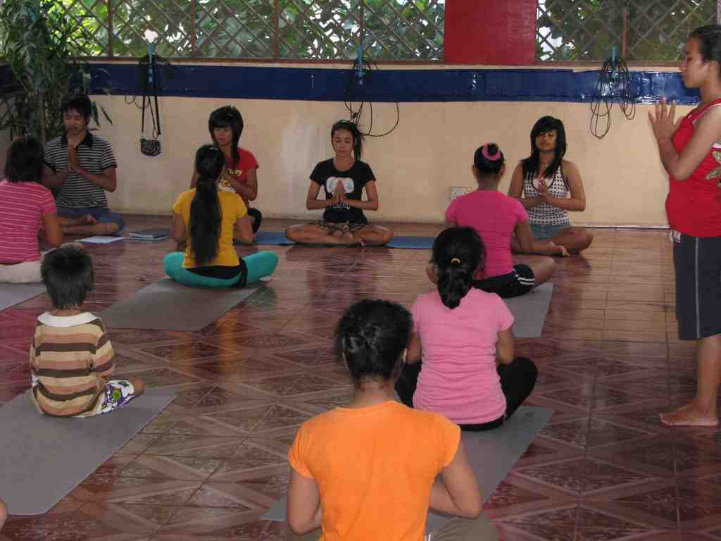 TLC girls teaching children
