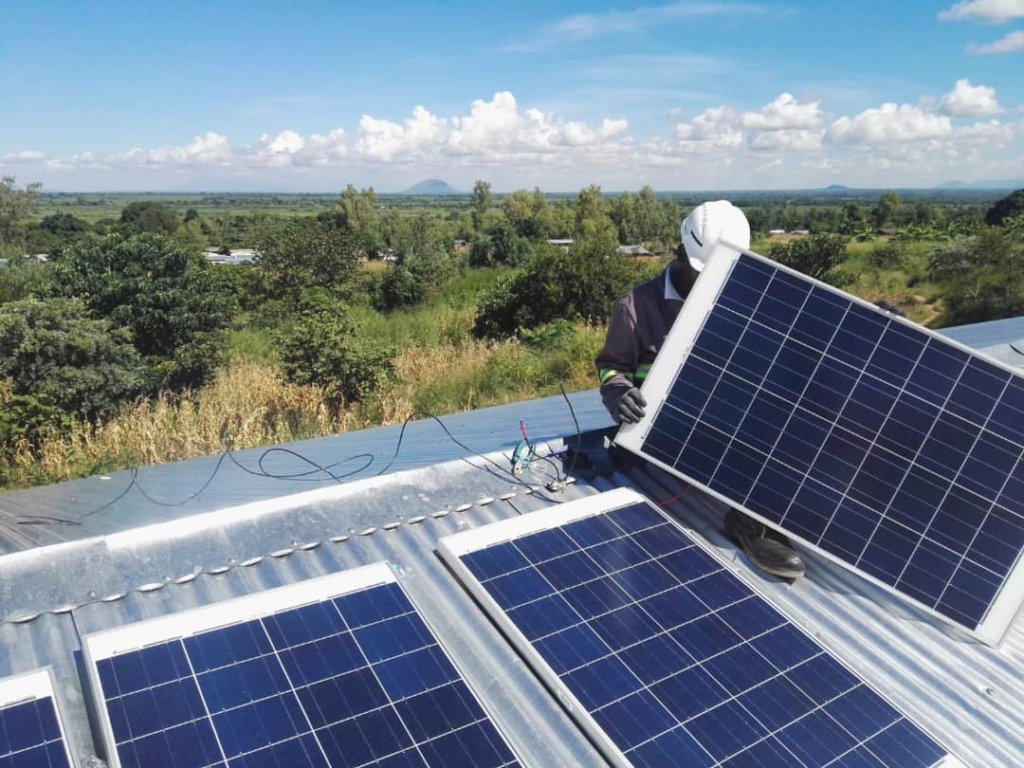 Upgrade of the solar power with two new panels