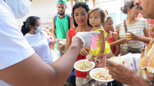 SAI Volunteers Feed Venezuelan Refugees