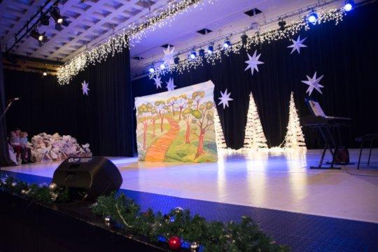 Drama play and Santa giving presents 1