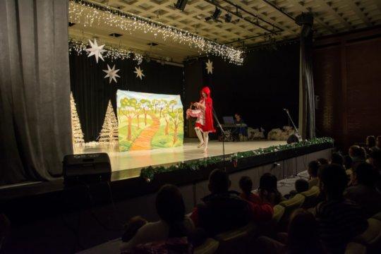 Drama play and Santa giving presents 3
