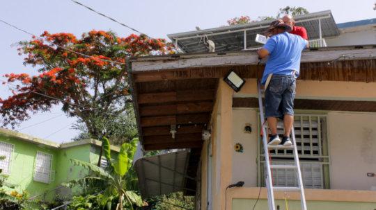 Solar street light installation by La Marana