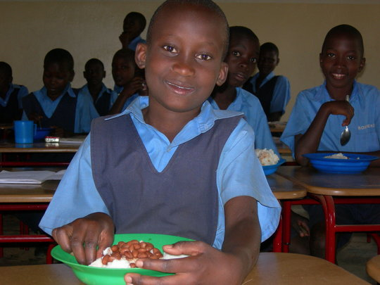 """Green meals"" help 170 kids in Uganda study"