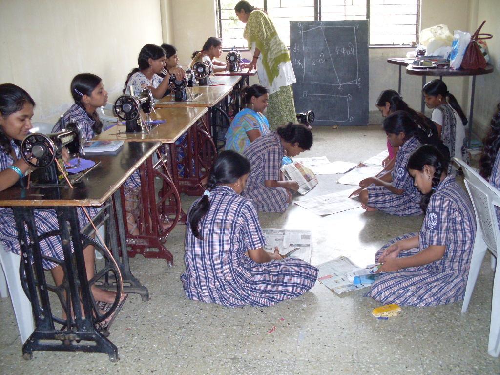 Tailoring Classes in Pune - Flora Fashion Designer