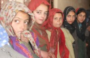 Help children affected by conflict in Kashmir