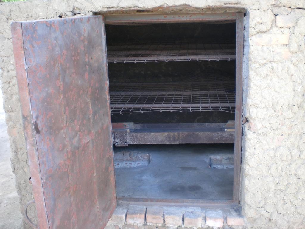 Bread oven in Rumbek
