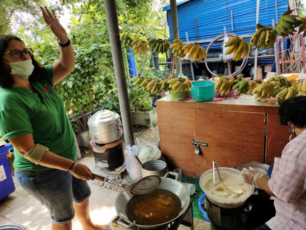 Cooking up the bananas!