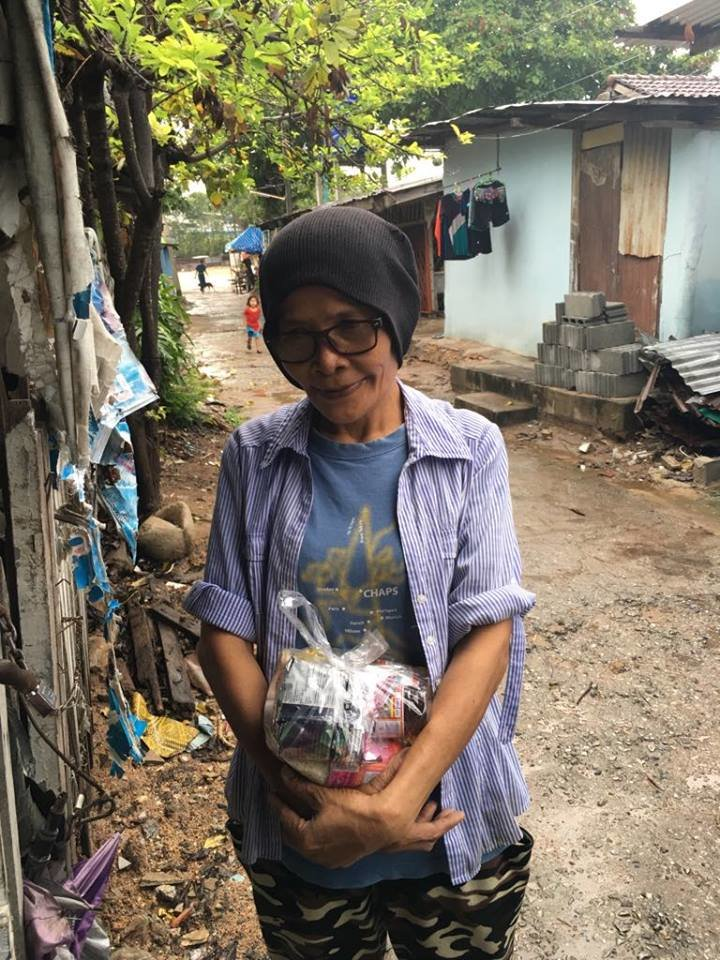 Feed 1275 slum dwellers for a year in Thailand