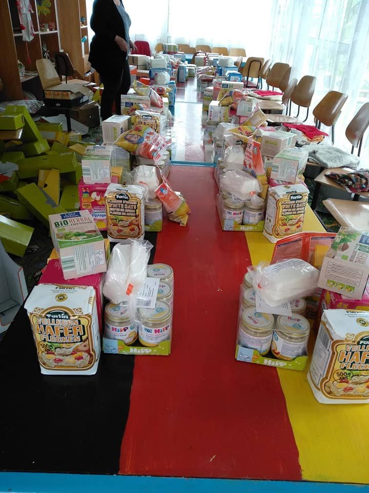 Food parcels for vulnerable families