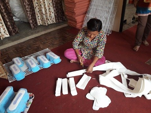 Help Girls Live Healthy with Effective Pad Usage