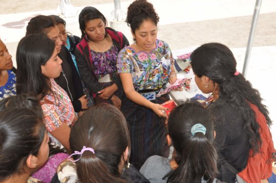 Vilma introduces teen participants to the product