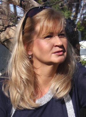 Dr. Ewa Skowronska