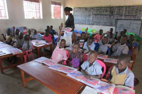 Build School Library & Storeroom for 650 Students