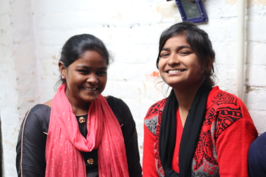 Sisters Shareen (L) and Amreen (R) in UP, India