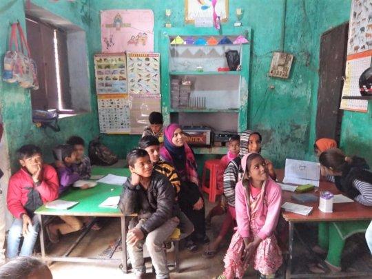 Students of Class III (Farrukhabad, Uttar Pradesh)