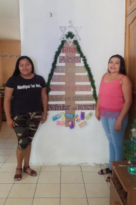 Heydi and Bris with our holiday decorations