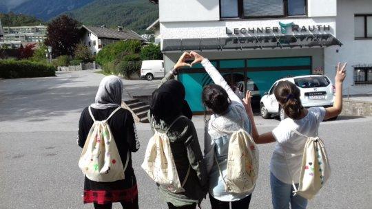 Lerncafe students enjoying an excursion