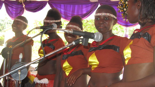 Bitone Perfoming at a wedding ceremony