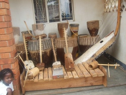 Bitone Troupe Instruments