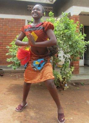 Sylvia in Otwenge Dance