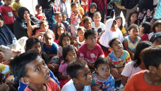 Doing activities with children in shelters
