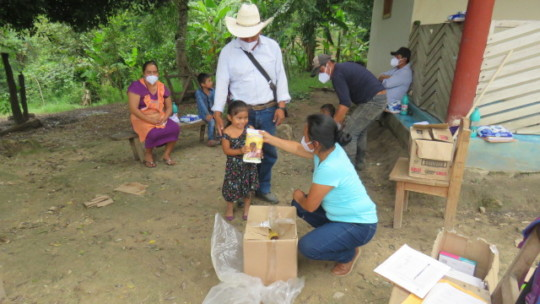 Delivery of food supplements to tseltal children