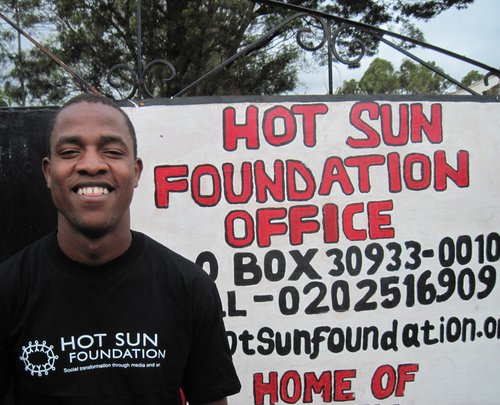 Wicky in front of Hot Sun Foundation, Nairobi