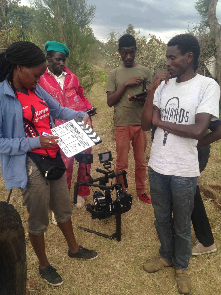 Ondivow, green cap, Film Crew meeting