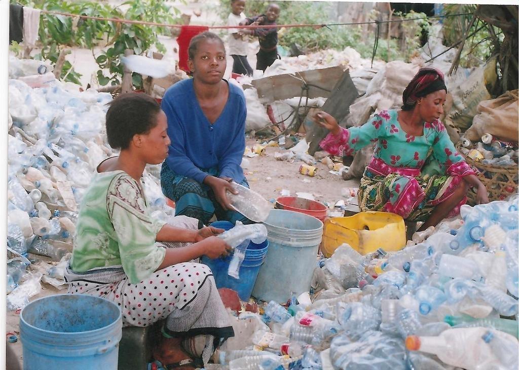 Help 10 Women to feed their children