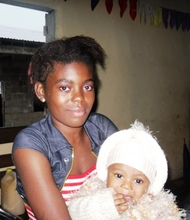 Nadesh Oben etchi and her baby girl