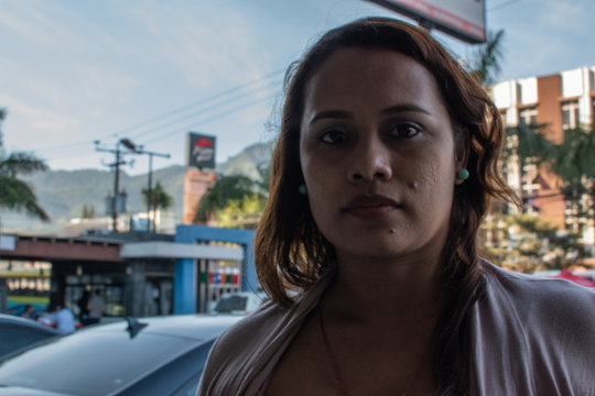 Salvadoran mother received cash aid from IRC