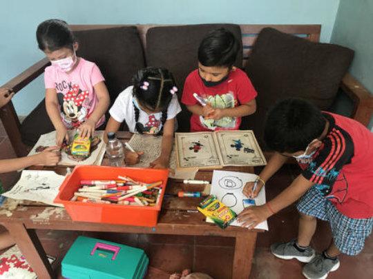 Children seek safety in El Salvador