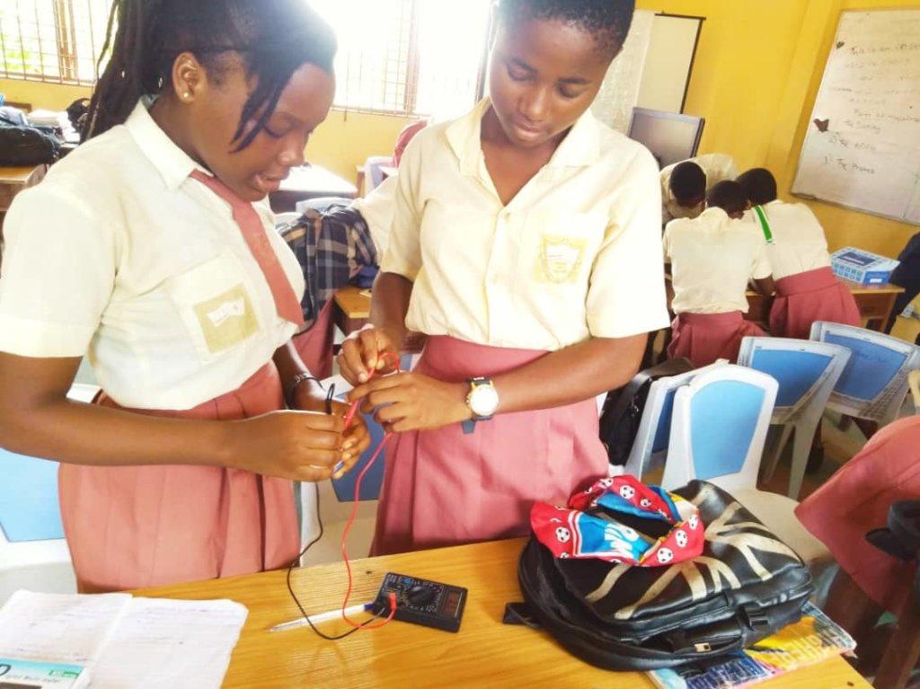Girls of Central Senior High at SHE STEM Session