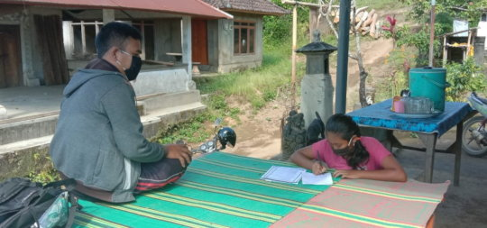 Distributing lessons materials to student's home