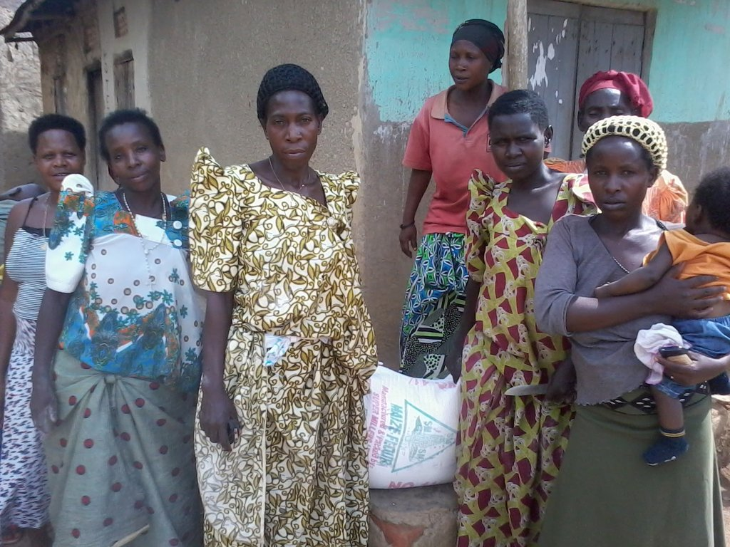 Women receiving there food
