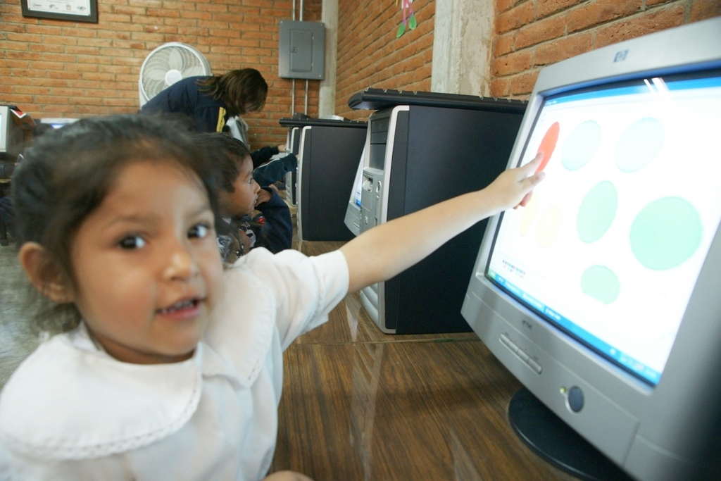 Identifying shapes & colors during Computer Class