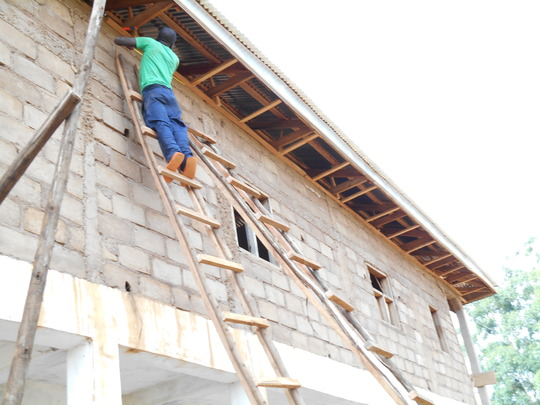 Carpenter busy puting the knokings