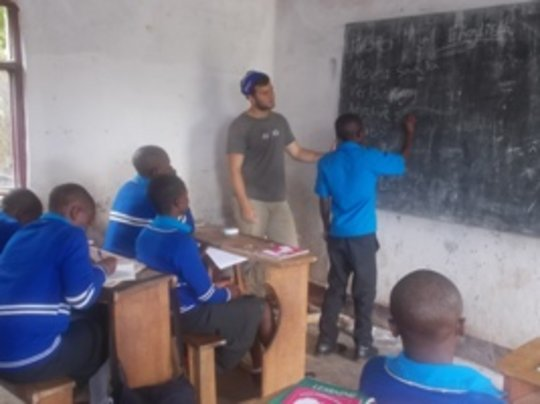 Fabio the  volunteer in class
