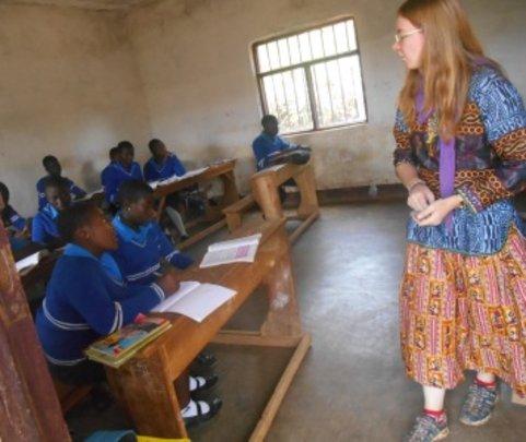 Sarah our volunteer enjoying teaching in class
