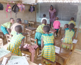 Praise Obikyere, with students in Kpone