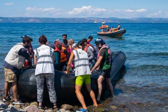Coordinating safe & fast assistance for arrivals
