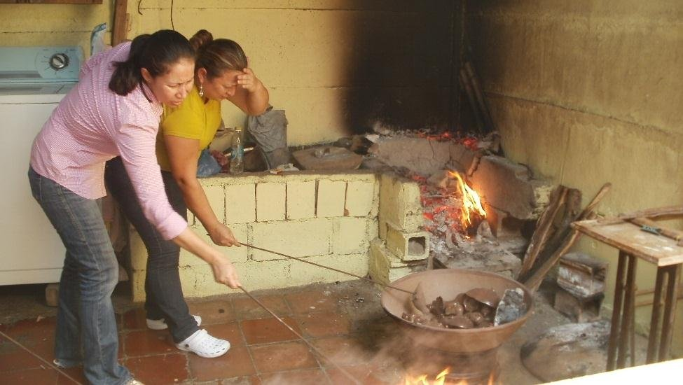 The firing process of black ceramics