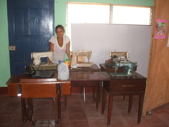 Sewing machines at the preschool
